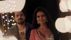 Esha Gupta hot Navel show in sari -  bollywood movie scene